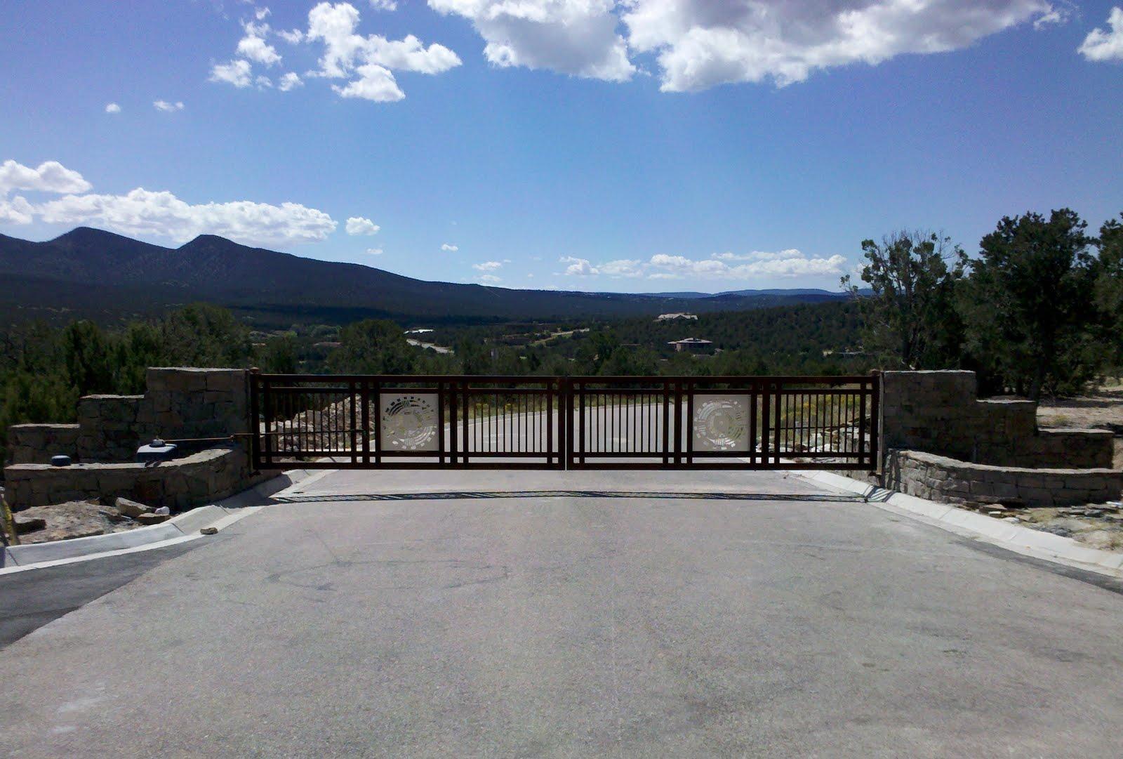 Custom Gates | Paa Ko Ridge Luxury Homes